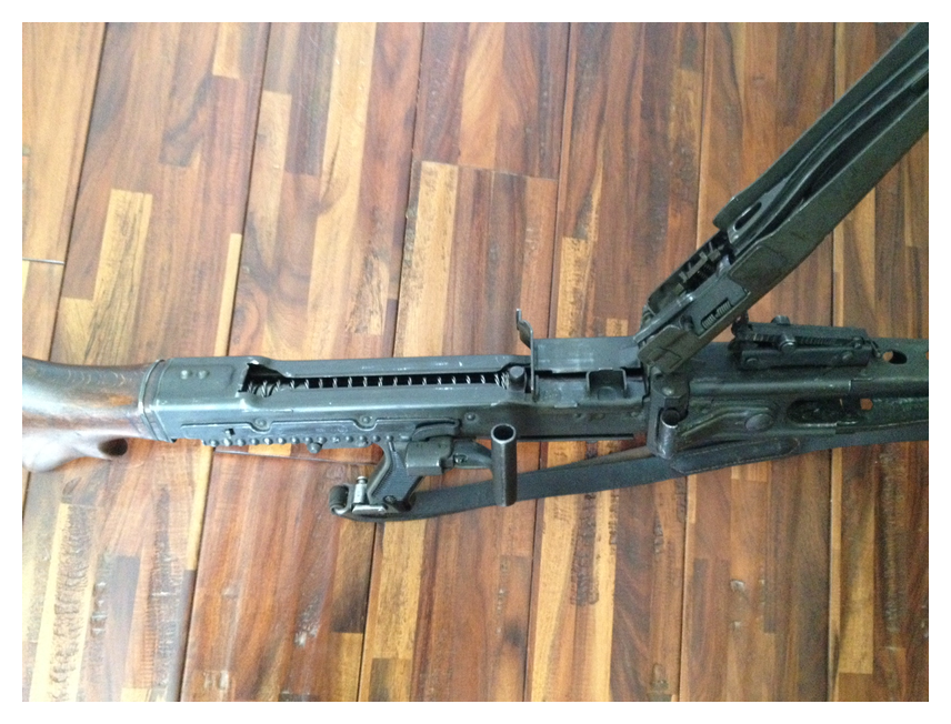 My latest add, an MG42 - Wehrmacht-Awards com Militaria Forums