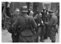 Waffen-SS troops using the MP28, in this case during the Warsaw Uprising in 1944